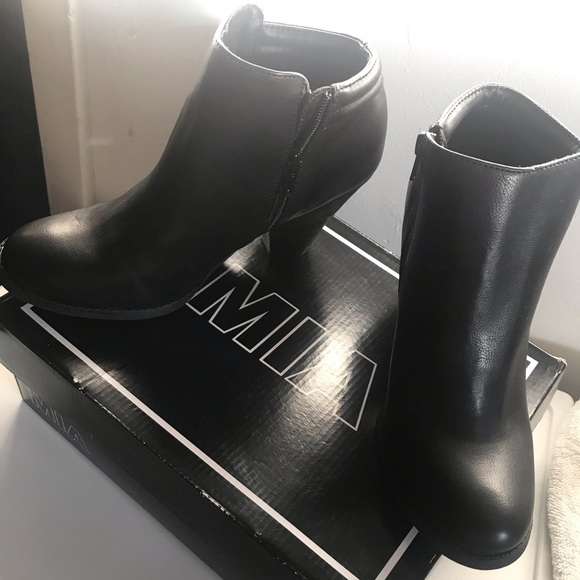 MIA Shoes   Luce Black Ankle Booties